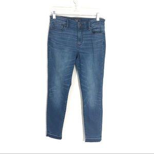 A&F  Harper fit skinny ankle jeans raw hem 4L